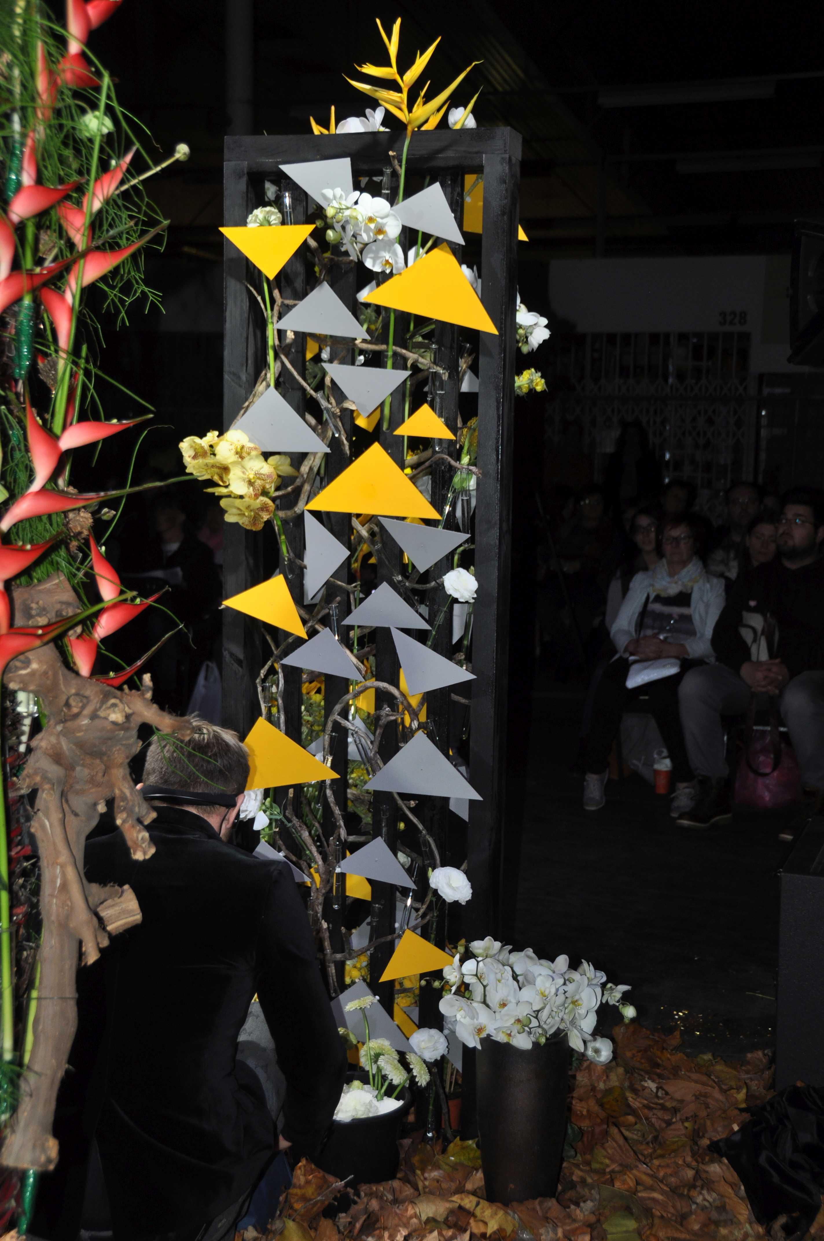 Mezőffy Tamás európabajnok, mester virágkötő bemutatója